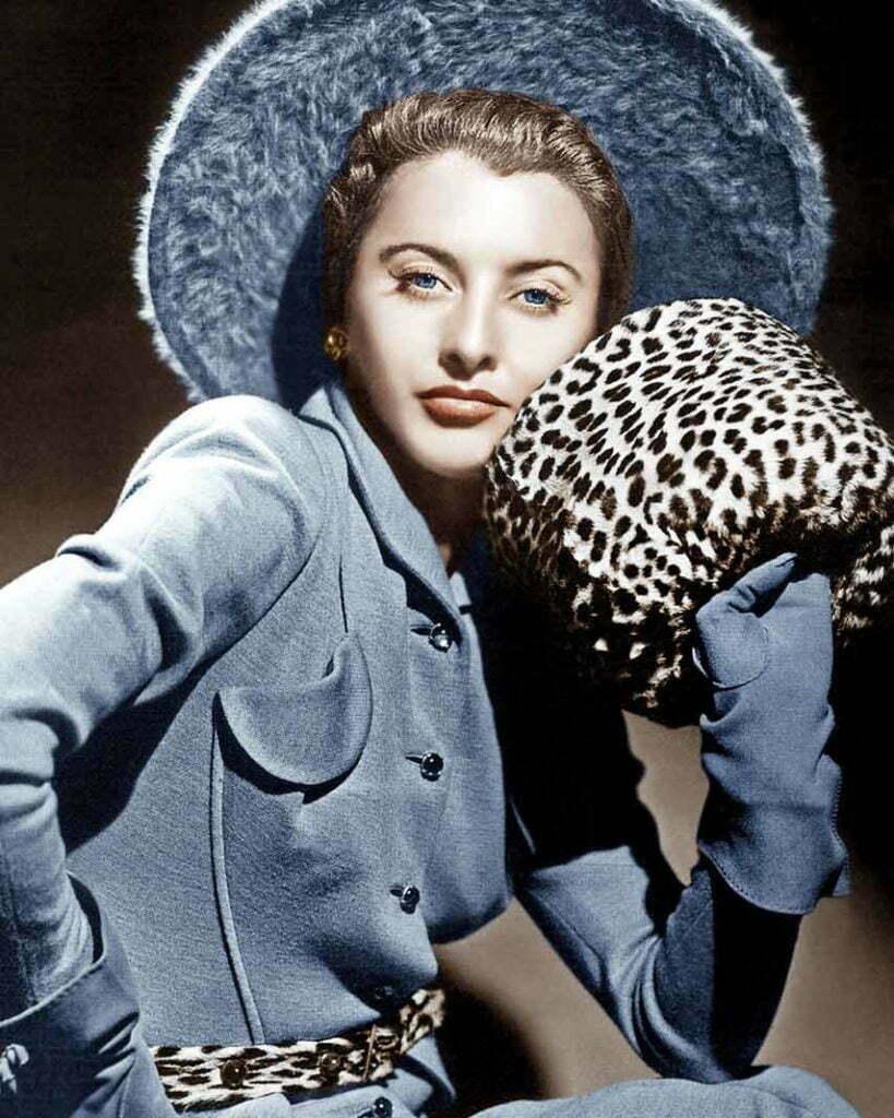 1940s women's accessories