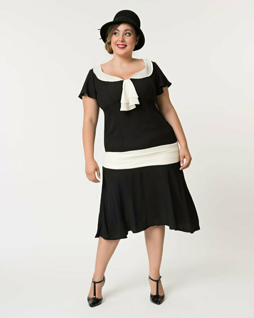 Unique Vintage Plus Size 1920s Black & Cream Wilshire Flapper Day Dress