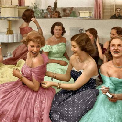 How to Throw a 1950s Themed Party?