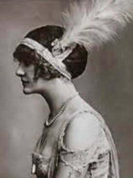 1920s-fashion-feather-headband