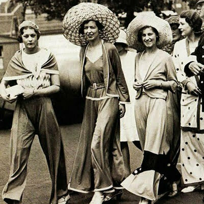 1930s Women Sleepwear Fashion on Black and White Screens