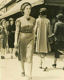 a 1930s woman with an old skirt