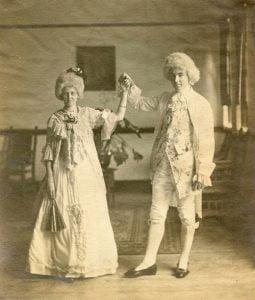 1900s-halloween-costume