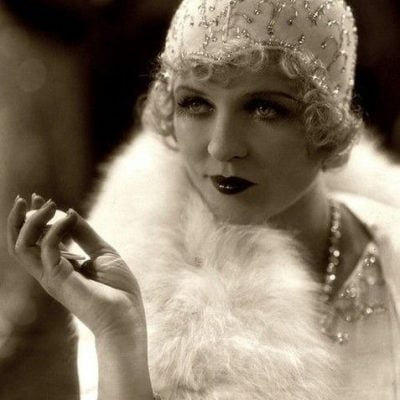 Guide For 1920s Accessories: Style Your Look In 1920s Fashion