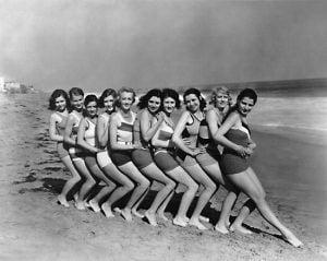 1920s-women-swimsuits-7