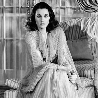 1940s Women's Fashion: Dresses Style & Fashion Trends