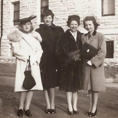 5 Vintage Shoes Suitable for 1940s Dresses