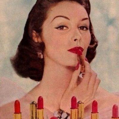 Retro Lipstick through 50s Fashion