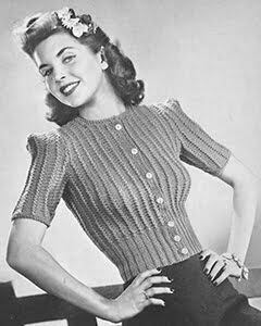 1940s Sweater girl look