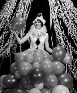 Vintage-Halloween-Costume-women-1920s-clowns