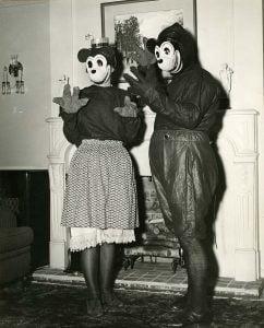Vintage-Halloween-Costume-women-1930s-Mickey