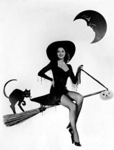 Vintage-Halloween-Costume-women-1940s-Witches