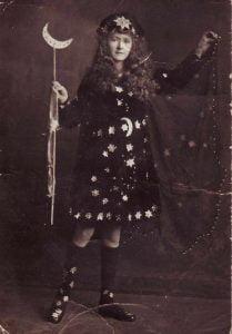 halloween-costume-1920s-prize-winning-costume