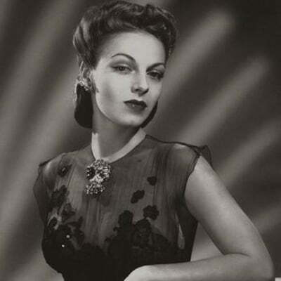 1940s Jewelry Fashion: Bracelets and Bangles, Necklaces, Earrings, Rings, Brooches
