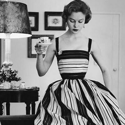 1950s Striped Fashion: Summer Outfit Ideas