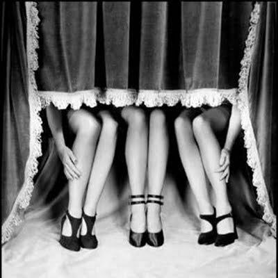 1920s Flapper Shoes Fashion: Daring Shoes in the Roaring 1920s