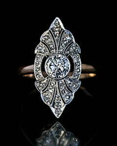 1930s VICTORIAN RINGS