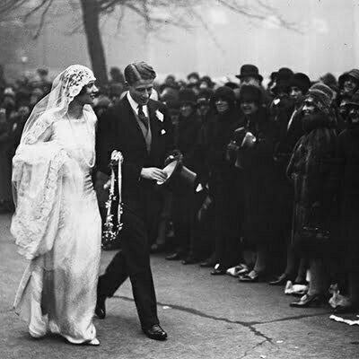 1920s Wedding Dress Designers: Designs for an Opulent Great Gatsby Inspired Wedding