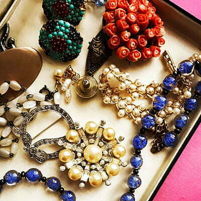 Top Vintage Costume Jewellery Websites You Should Know