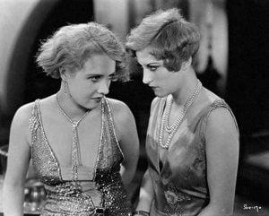 1920s-Sculpted-curls-3