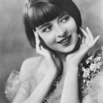 1920s Best Flapper Hairstyles – How to Match the Clothes for Teenage Girls