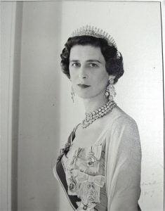 1930s-wedding-hairstyle-of-Marina-of-Greee