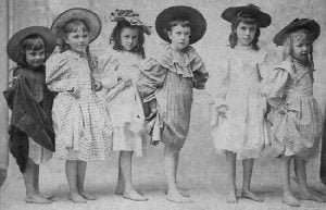 Party-Wear-Dresses-for-Girls-in-1920s-1