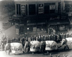 vintage-photography-the-First-Macy's-Thanksgiving-Day-Parade-in-1924-1