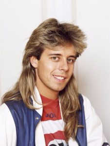 Mullet-1980s-long-hairstyle-for-men