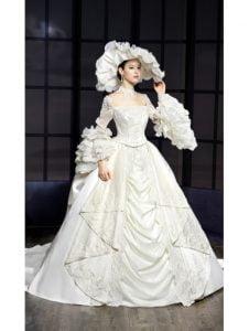 Victorian Style Elegant Wedding Dress