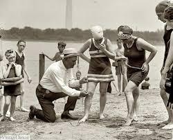 1920s-Beach-Bots